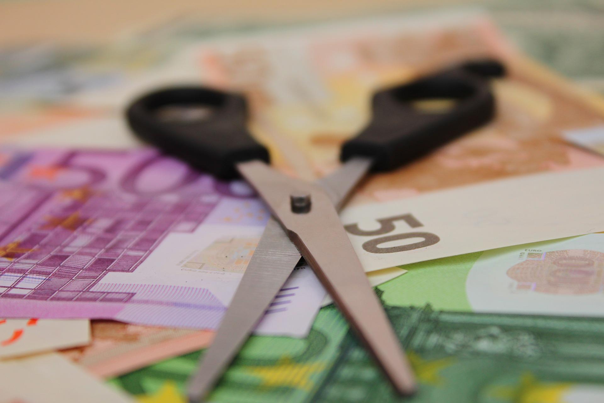 ЕУ: Слаб напредак Србије у борби против корупције