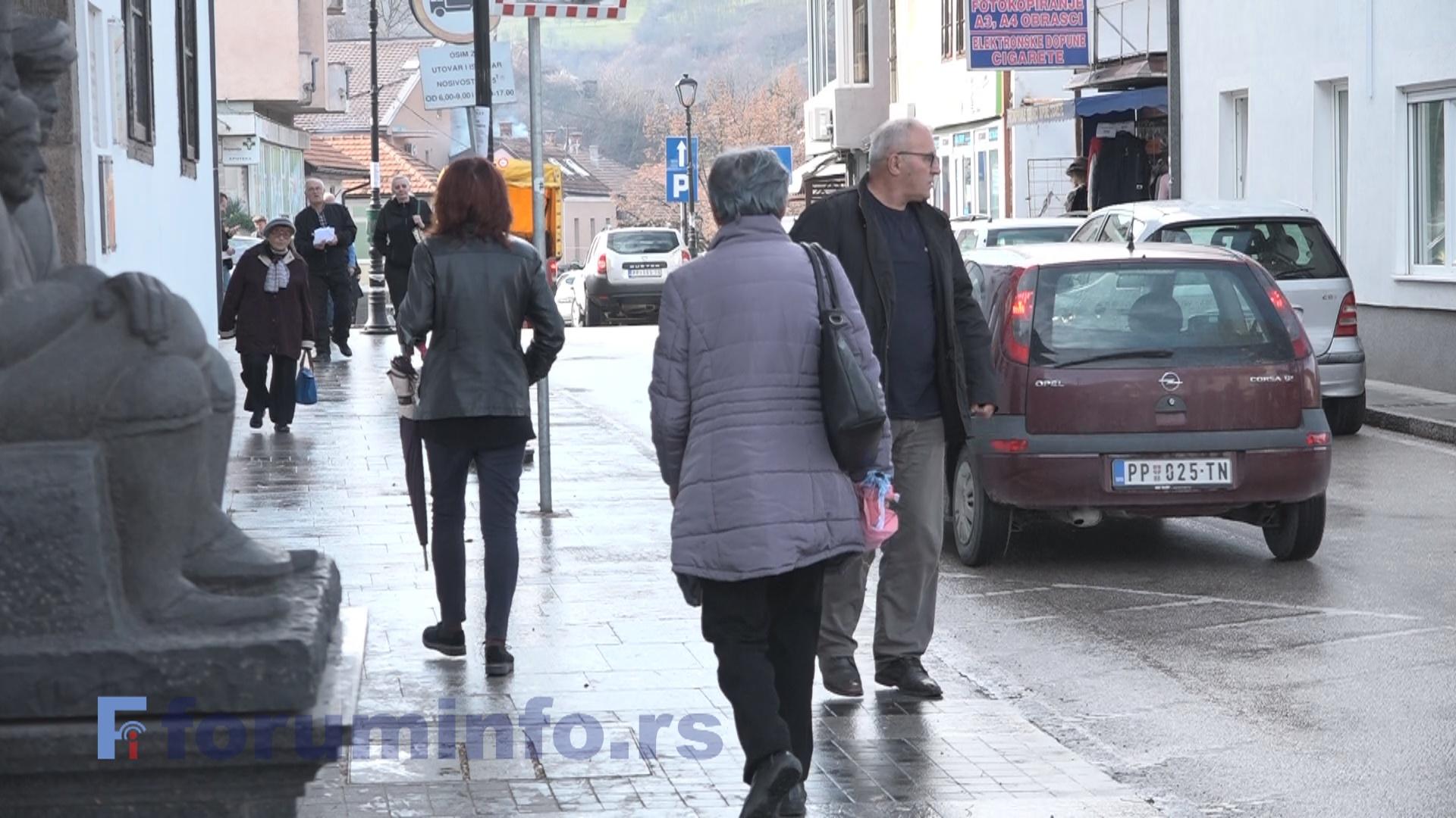 Колико су грађани Пријепоља обавештени о могућности да учествују  у креирању општинског буџета?