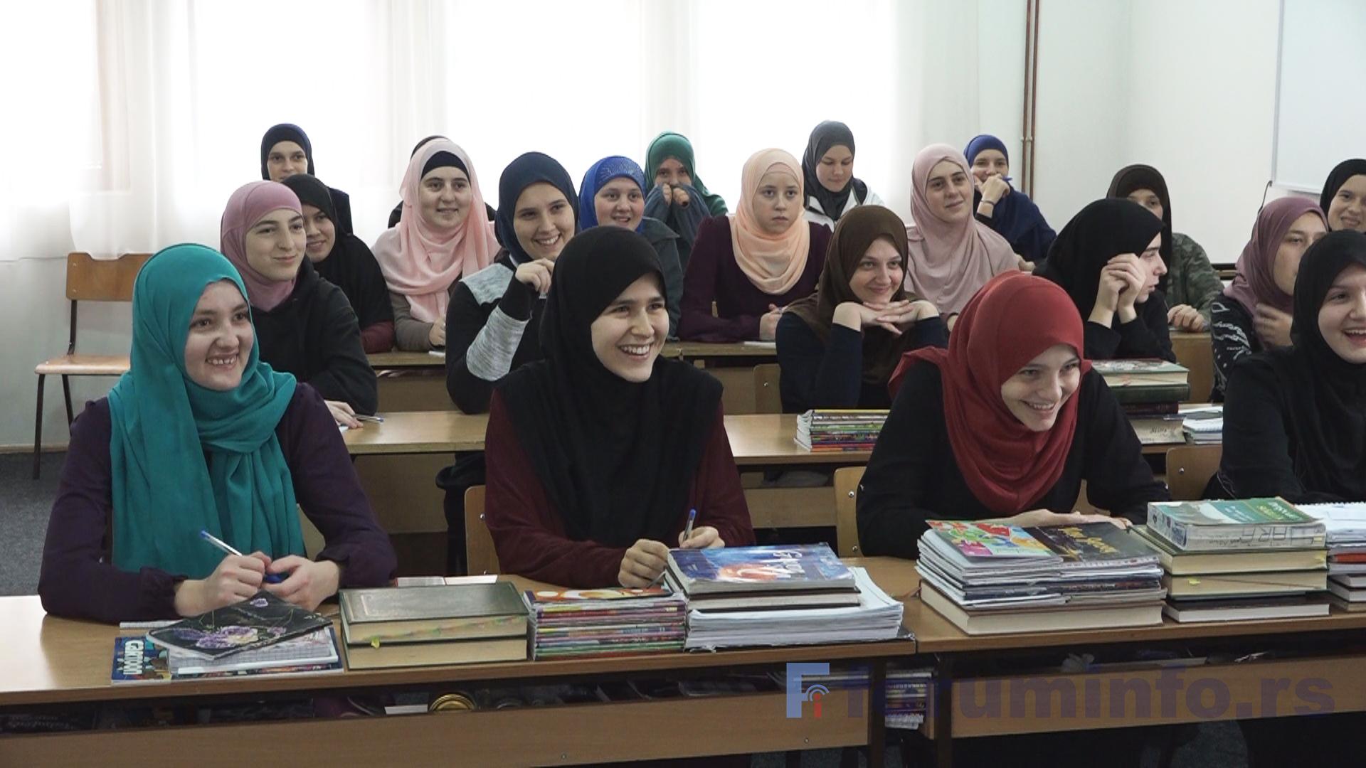 Radionica za učenice Bakije – hanume medrese: Multikulturalnost i interkulturalnost su vrednosti koje moramo negovati