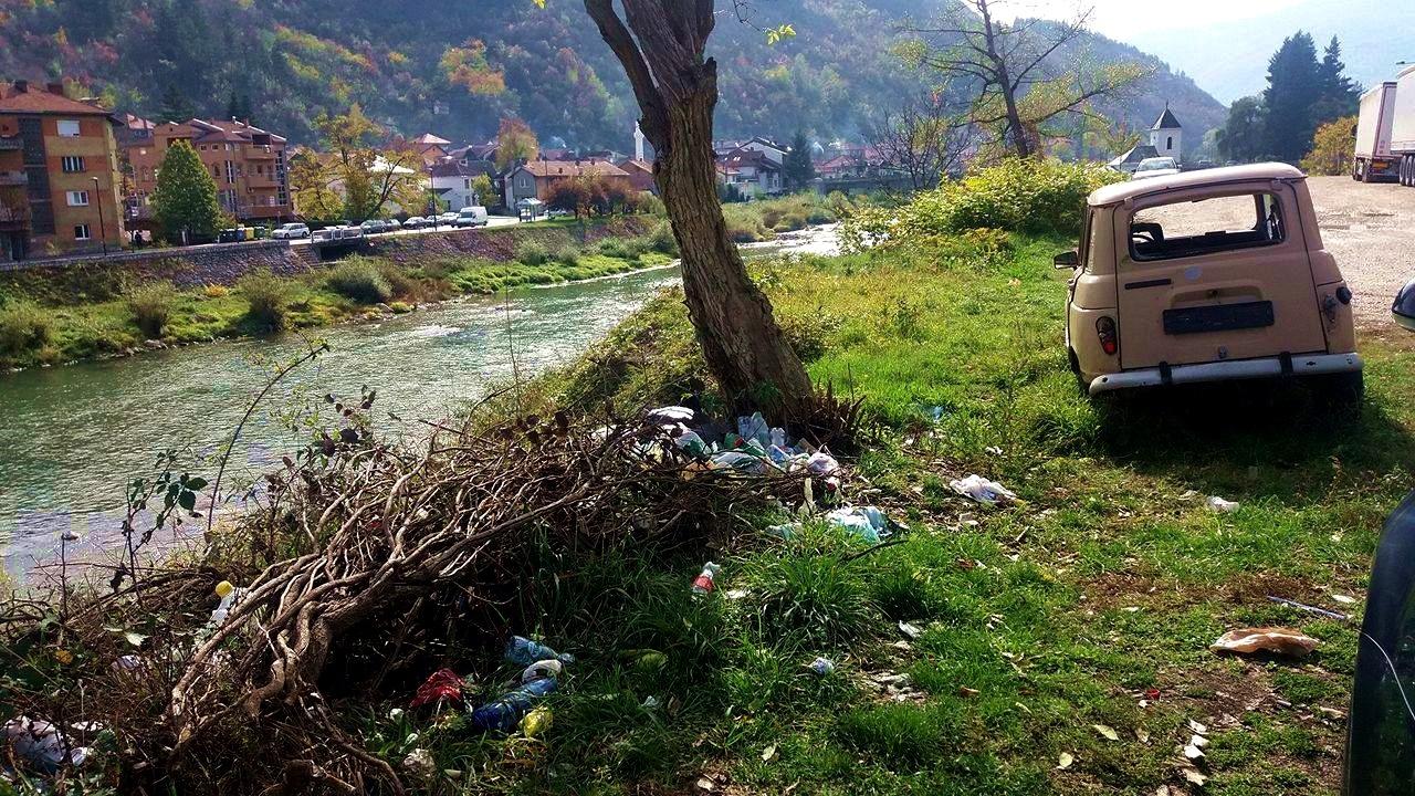 """Дивље депоније """"цветају"""" на обалама Лима"""