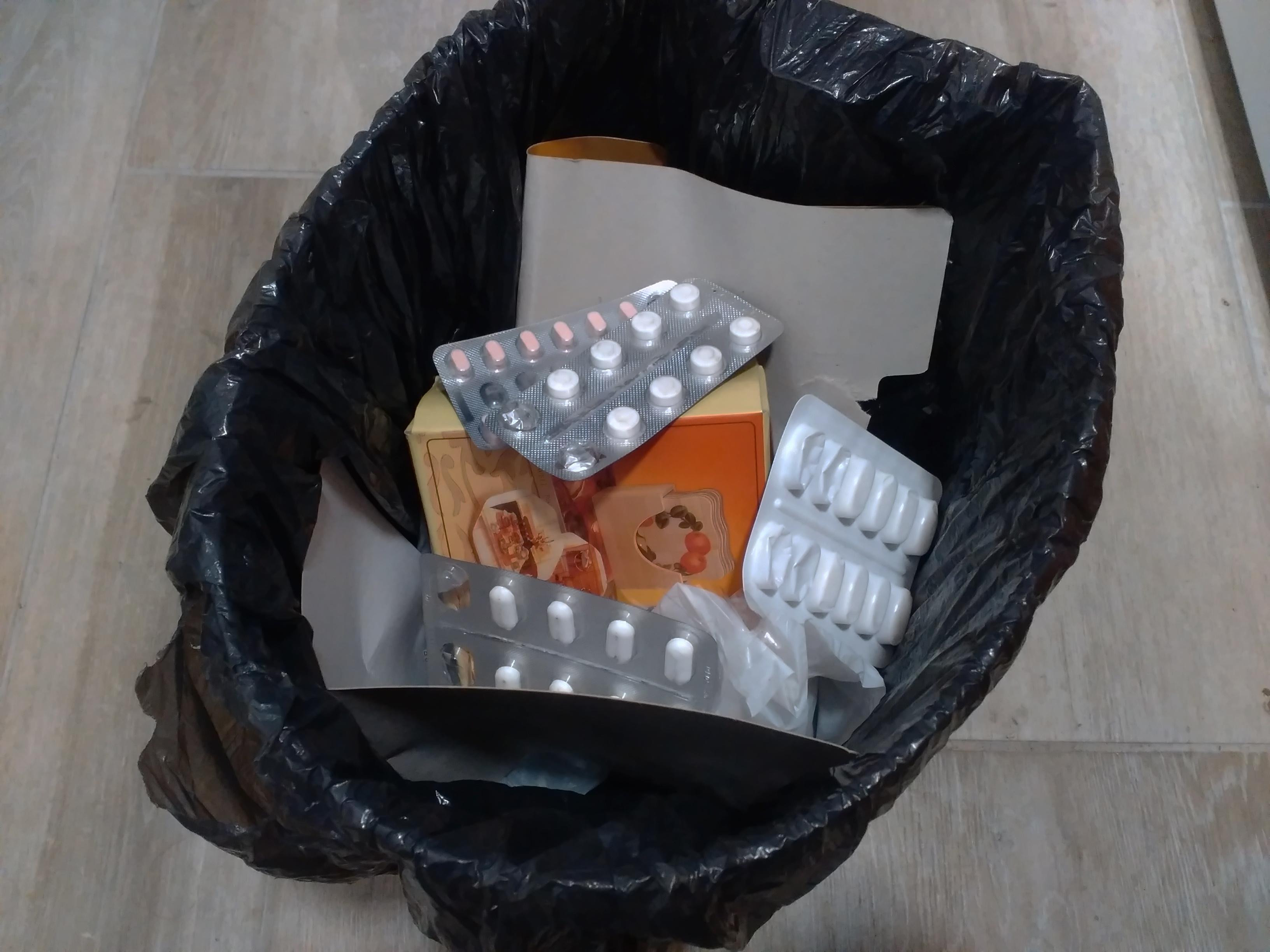 Упркос прописма, лекови завршавају на отпаду и у канализацији