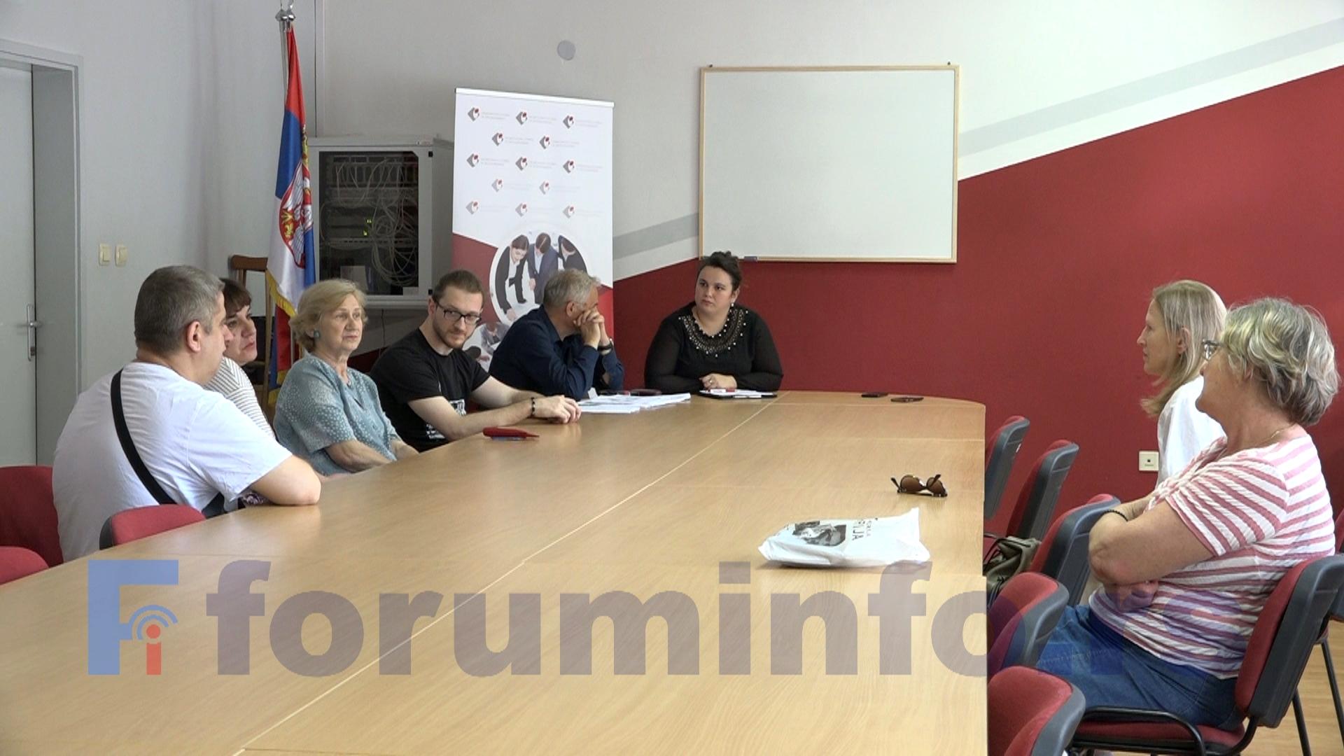 Особе са инвалидитетом тешко долазе до посла – закључак је састанка одржаног у НСЗ