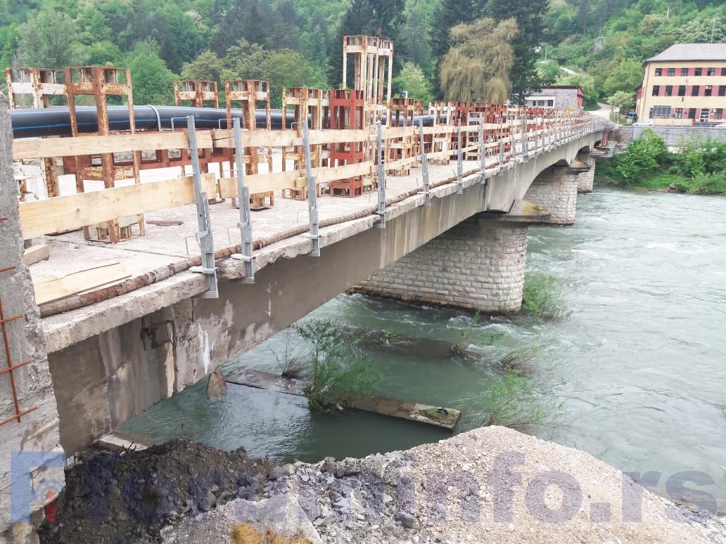 Без грађевинске дозволе за реконструкцију моста у Шарампову