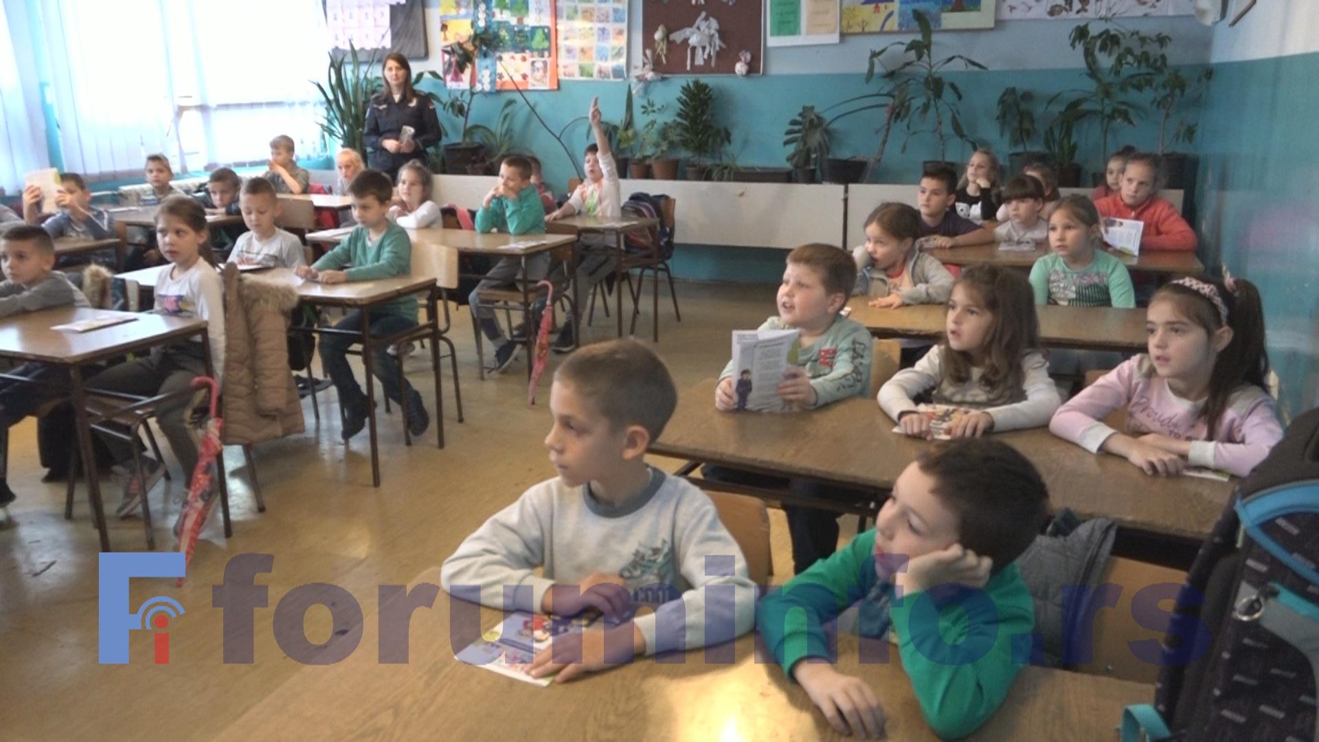 У понедељак почиње школска година – Више првака у пријепољским основним школама