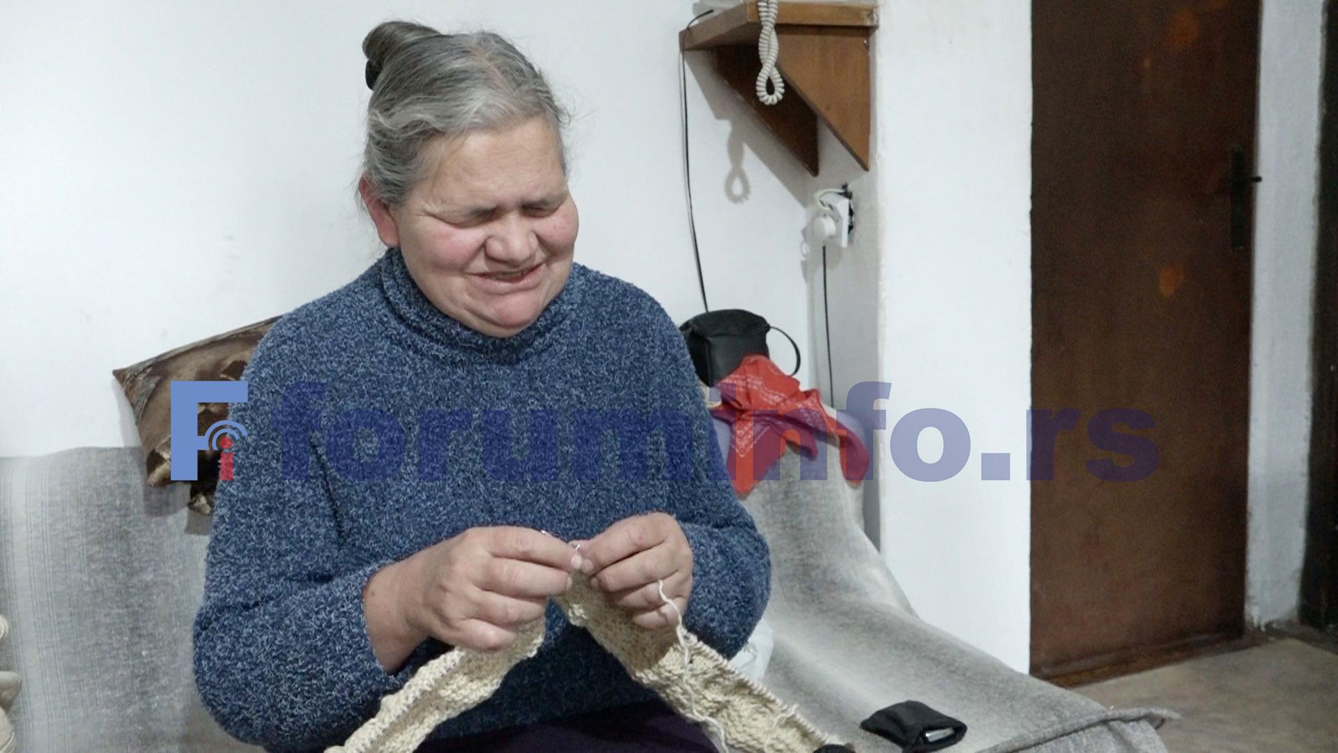 Слепа плетиља са Златара Мирослава Шапоњић – прстима опипам, избројим и онда плетем