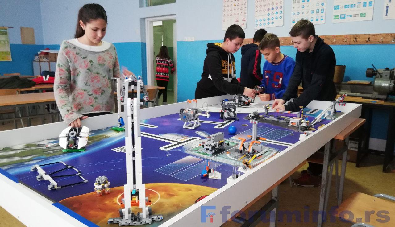 Ђаци из Пријепоља и Прибоја на међународном такмичењу у роботици