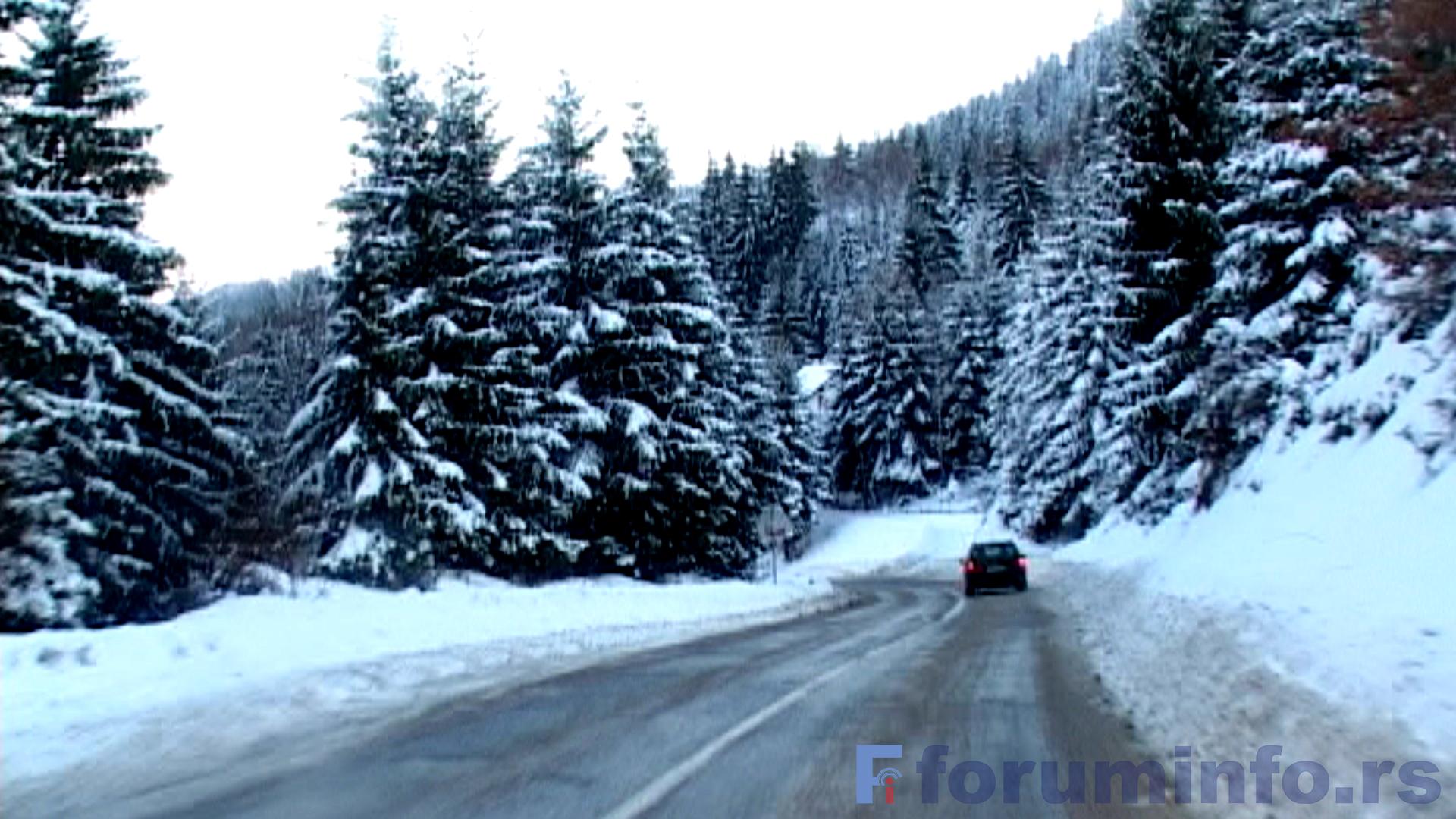 Снежни прекривач у пријепољским селима до 45 цм – Путеви проходни