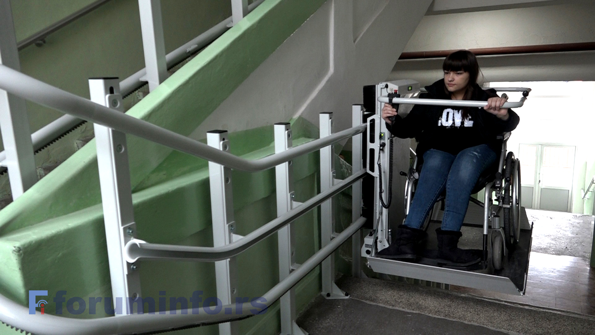 Економско – трговинска школа у Пријепољу обезбедила платформу за ђаке са инвалидитетом