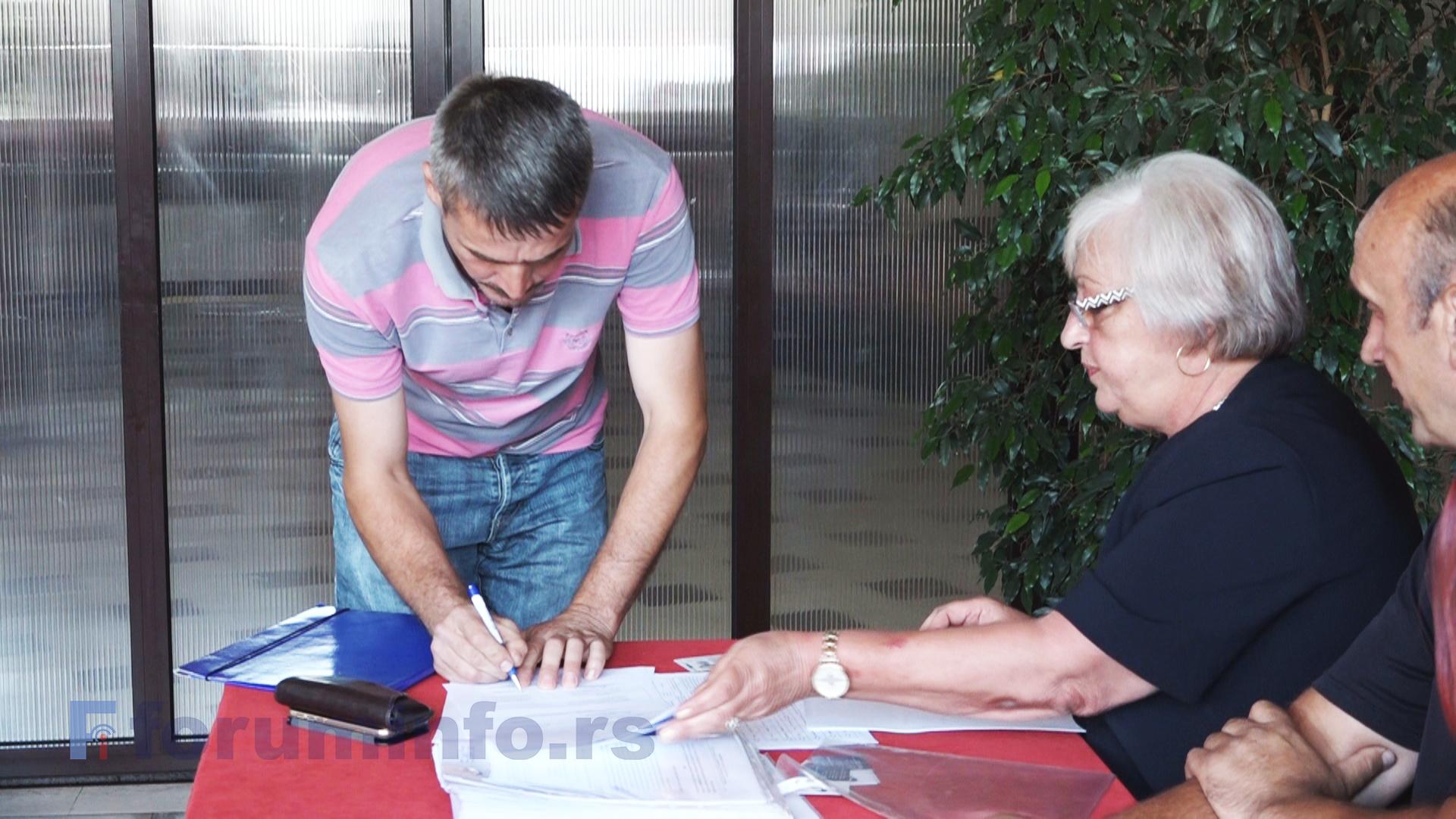 """У Пријепољу потписани уговори у оквиру пројекта """"Дивац пољопривредни фондови"""""""