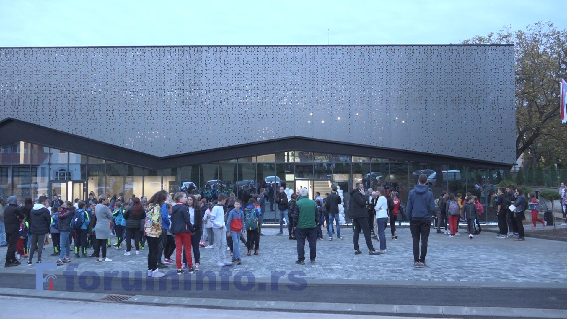 Свечано отворена Спортска дворана у Чајетини. За спорт 5 милиона евра ове године (ВИДЕО)