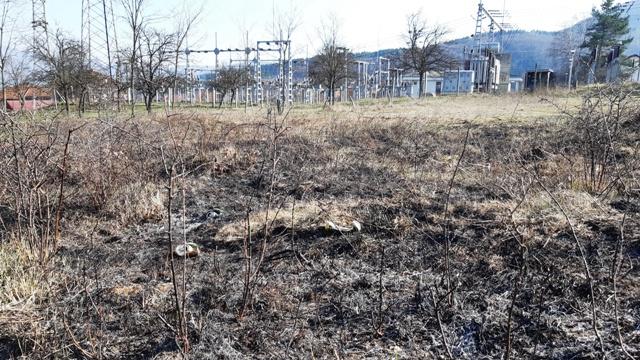 Пожар на Равнама: Горело растиње и смеће поред трафостанице
