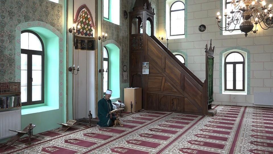Од петка све џамије отворене за вренике, уз поштовање мера заштите