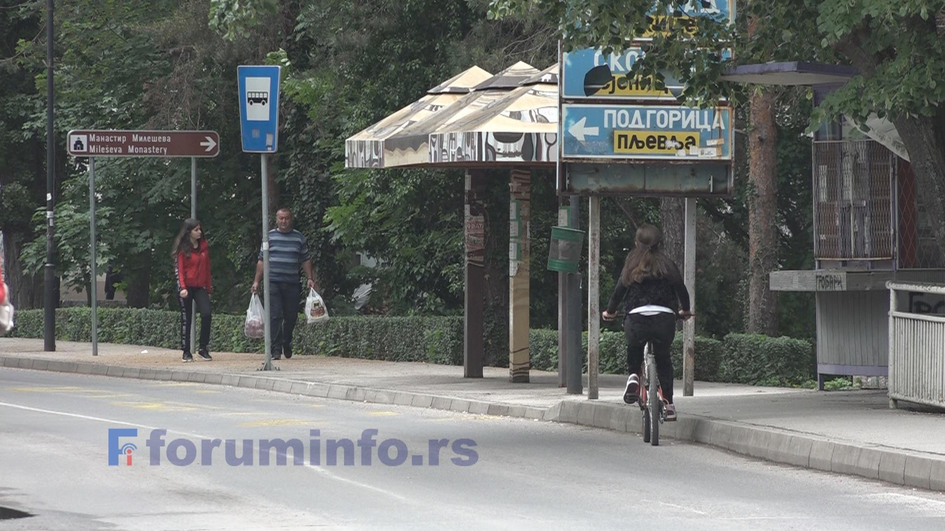 У Пријепољу аутобуска стајалишта и даље празна