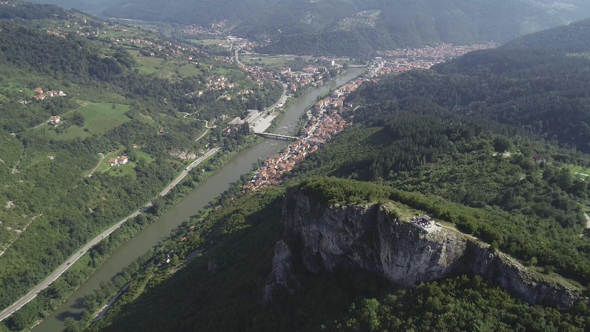 У плану реконструкција и изградња водовода на Равнама, Јабуци, Каменој Гори, Хисарџику и Аљиновићима