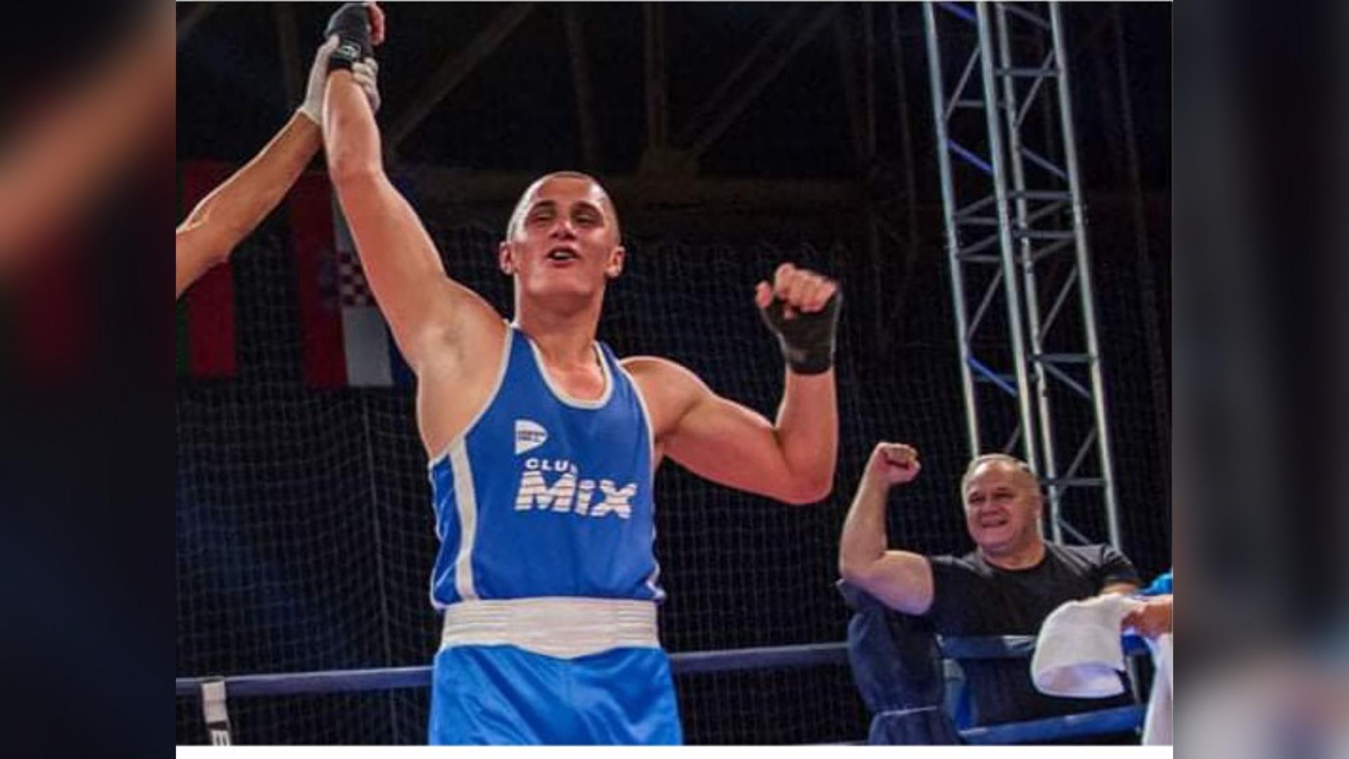 Алмиру Мемићу златна медаља и признање за најбољег боксера на турниру у Бугарској